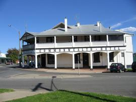 Commonwealth Hotel - Accommodation Mt Buller