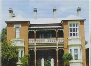 Strathmore Victorian Manor - Accommodation Mt Buller