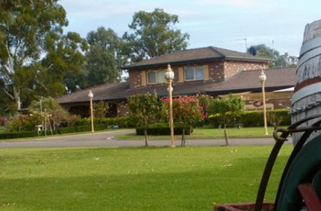 Carriage House Motor Inn - Accommodation Mt Buller