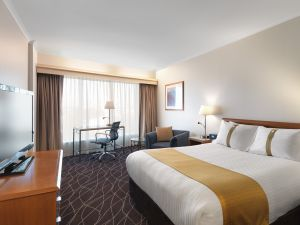 Holiday Inn Sydney Airport - Accommodation Mt Buller