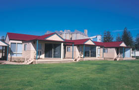 The Mac's Beachfront Villas - Accommodation Mt Buller