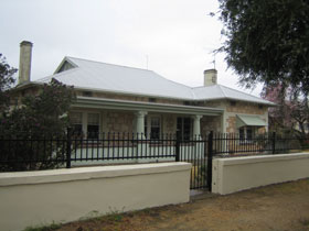 Naracoorte Cottages - MacDonnell House - Accommodation Mt Buller