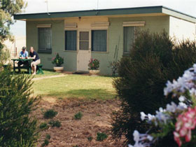 Oaklands Fishing Cottage - Accommodation Mt Buller