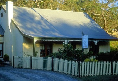 Country Pleasures Bed and Breakfast - Accommodation Mt Buller