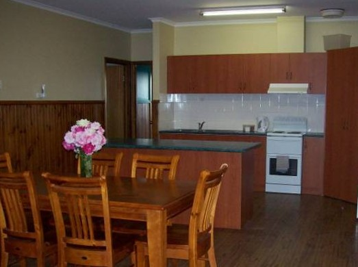 Riverland Holiday Cottage - Accommodation Mt Buller