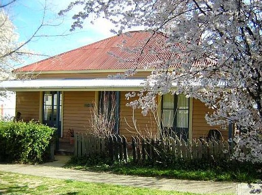 Cooma Cottage - Accommodation - Accommodation Mt Buller