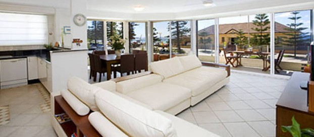 Absolute Beachfront Manly Bed and Breakfast