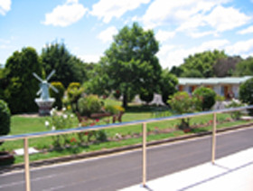 Golden Chain Beachway Motel and Restaurant - Accommodation Mt Buller