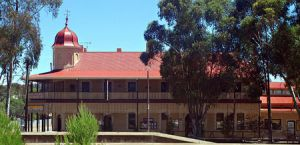 Peterborough Railway Hotel - Accommodation Mt Buller