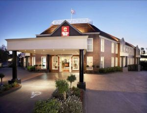 Canterbury International Hotel - Accommodation Mt Buller