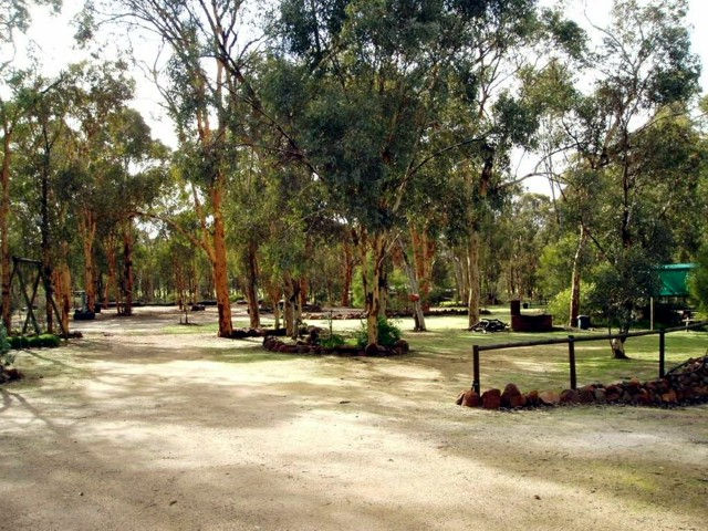 Toodyay Holiday Park  Chalets - Accommodation Mt Buller