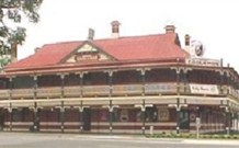 The New Coolamon Hotel - Coolamon - Accommodation Mt Buller