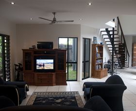 Dolphin Beach House - Accommodation Mt Buller