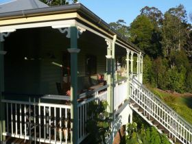 The Sanctuary Springbrook. Guest House / Cottage - Accommodation Mt Buller