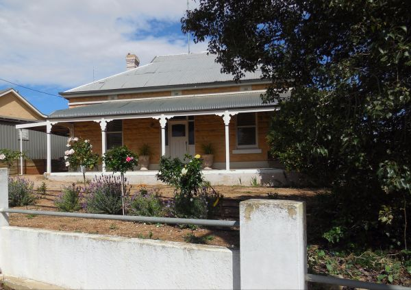 Book Keepers Cottage Waikerie - Accommodation Mt Buller
