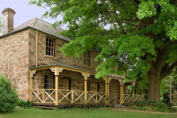 Old Stone House The - Accommodation Mt Buller