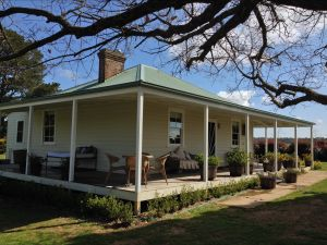 Crookwell Farmhouse - Accommodation Mt Buller
