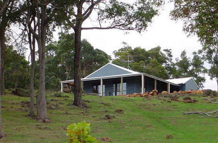 Vista Ridge Estate - Top Paddock Cottage - Accommodation Mt Buller