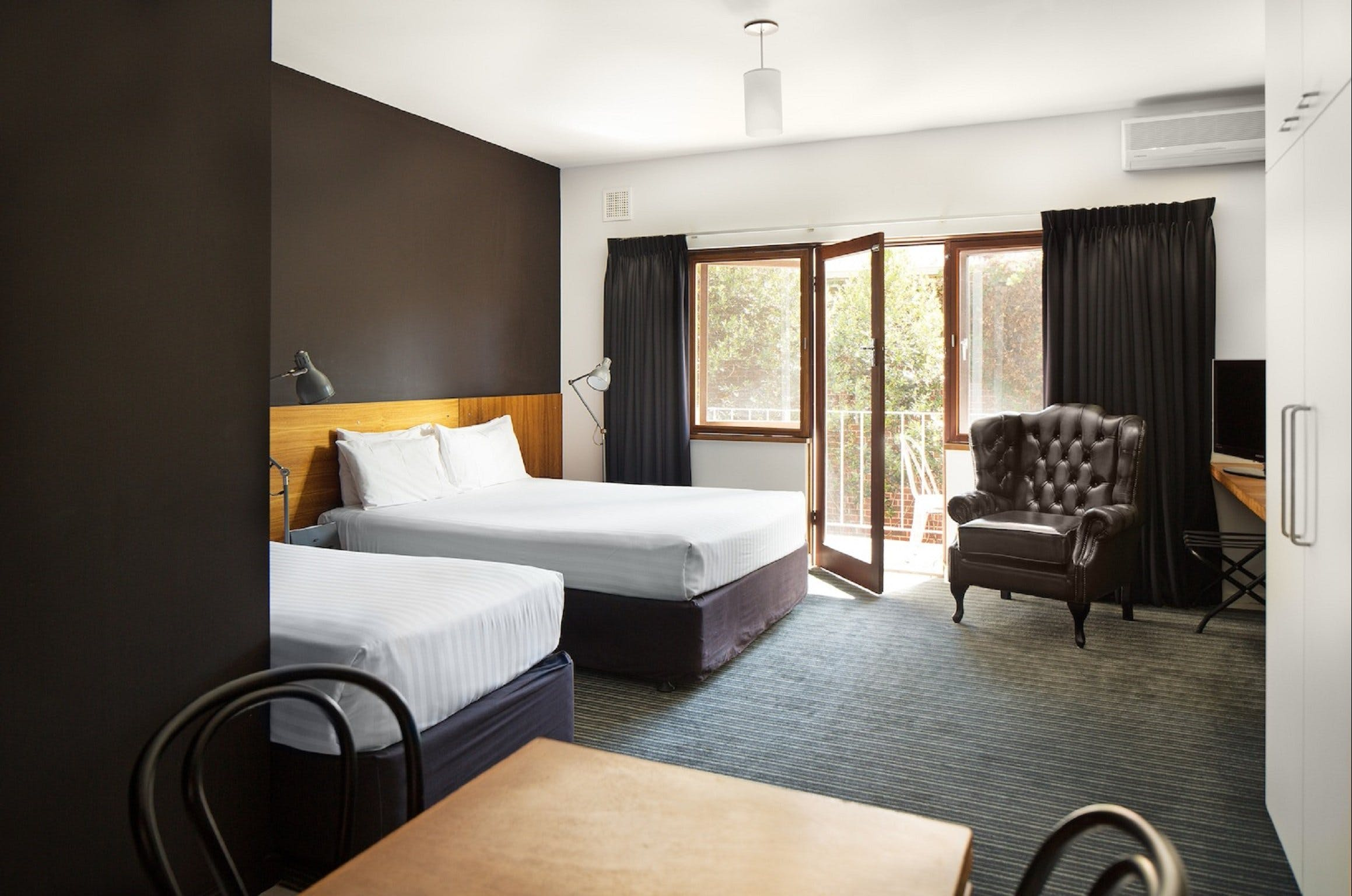Riverview Hotel - Accommodation Mt Buller
