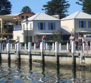 Dockside Waterfront Indulgence - Accommodation Mt Buller