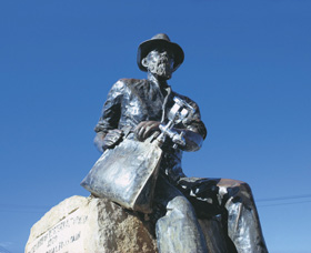 Paddy Hannans Statue - Accommodation Mt Buller