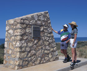 Potshot Monument - Accommodation Mt Buller