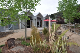 Tin Dragon Interpretation Centre and Cafe - Accommodation Mt Buller