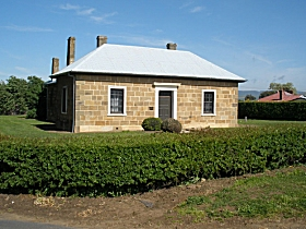 Oatlands Court House - Accommodation Mt Buller