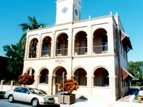Mackay Town Hall - Accommodation Mt Buller