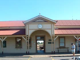Maryborough Railway Station - Accommodation Mt Buller