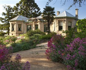 Buda Historic Home  Garden - Accommodation Mt Buller