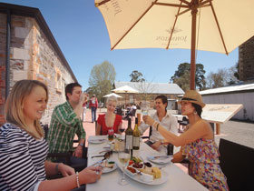 Johnston Oakbank Cellar Door - Accommodation Mt Buller