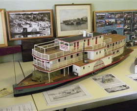 Wentworth Model Paddlesteamer Display - Accommodation Mt Buller