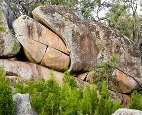 Frog Rock - Accommodation Mt Buller