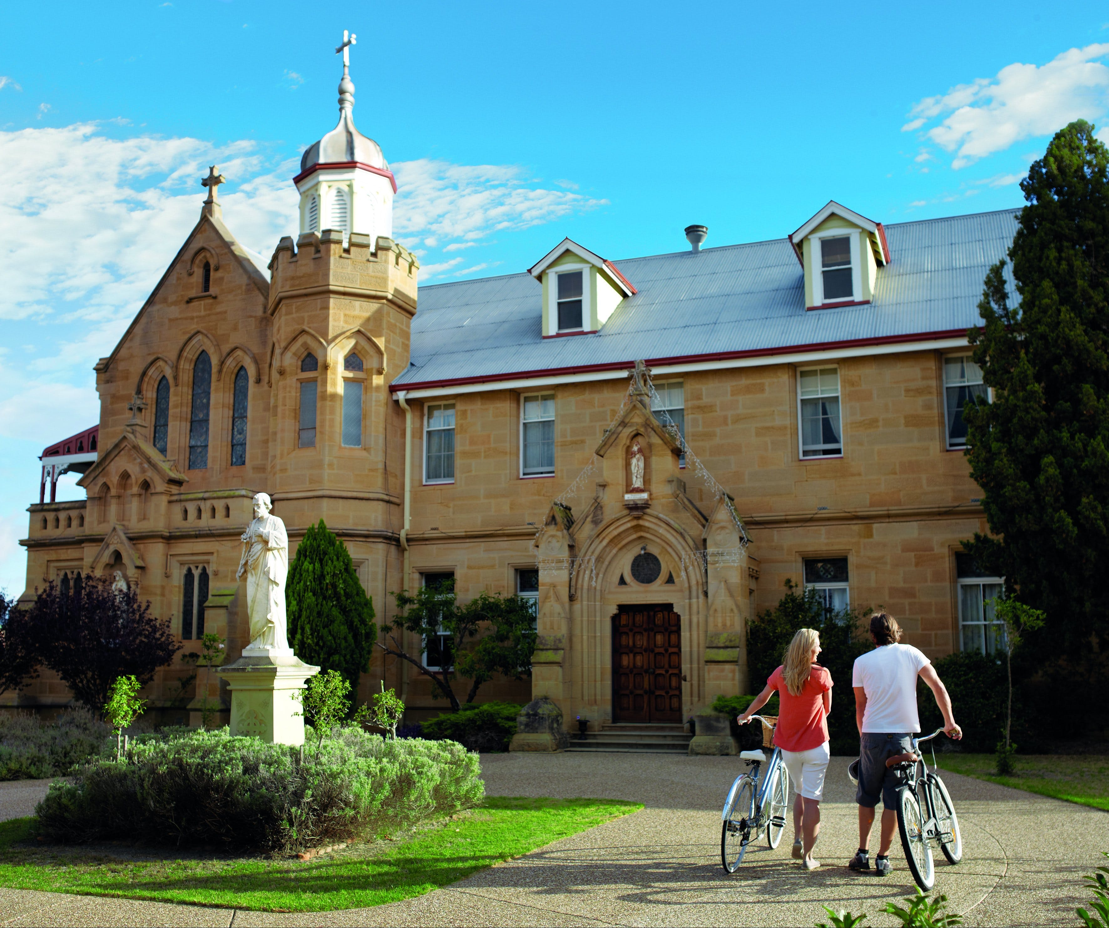 Warwick - Accommodation Mt Buller