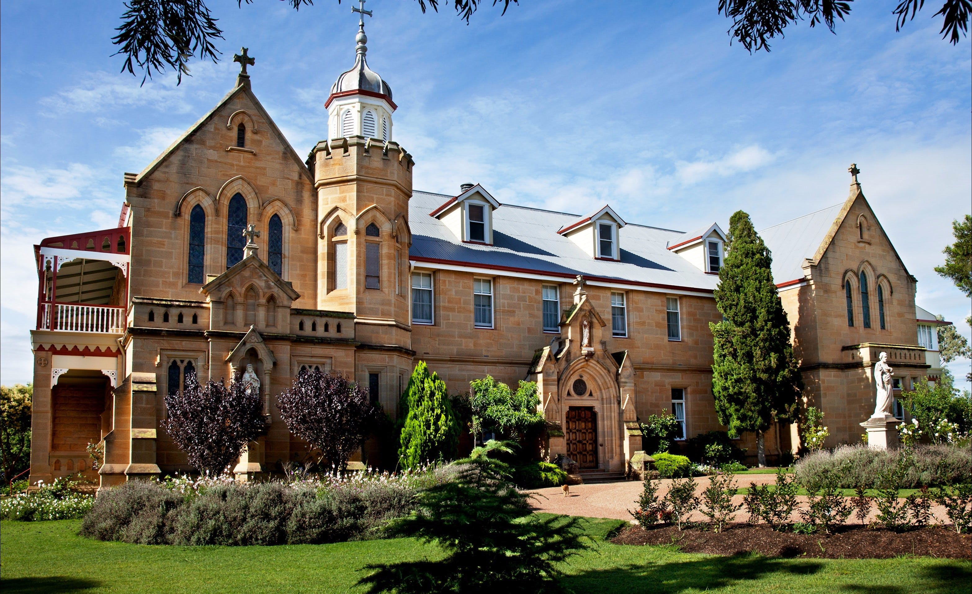 Abbey of the Roses - Accommodation Mt Buller