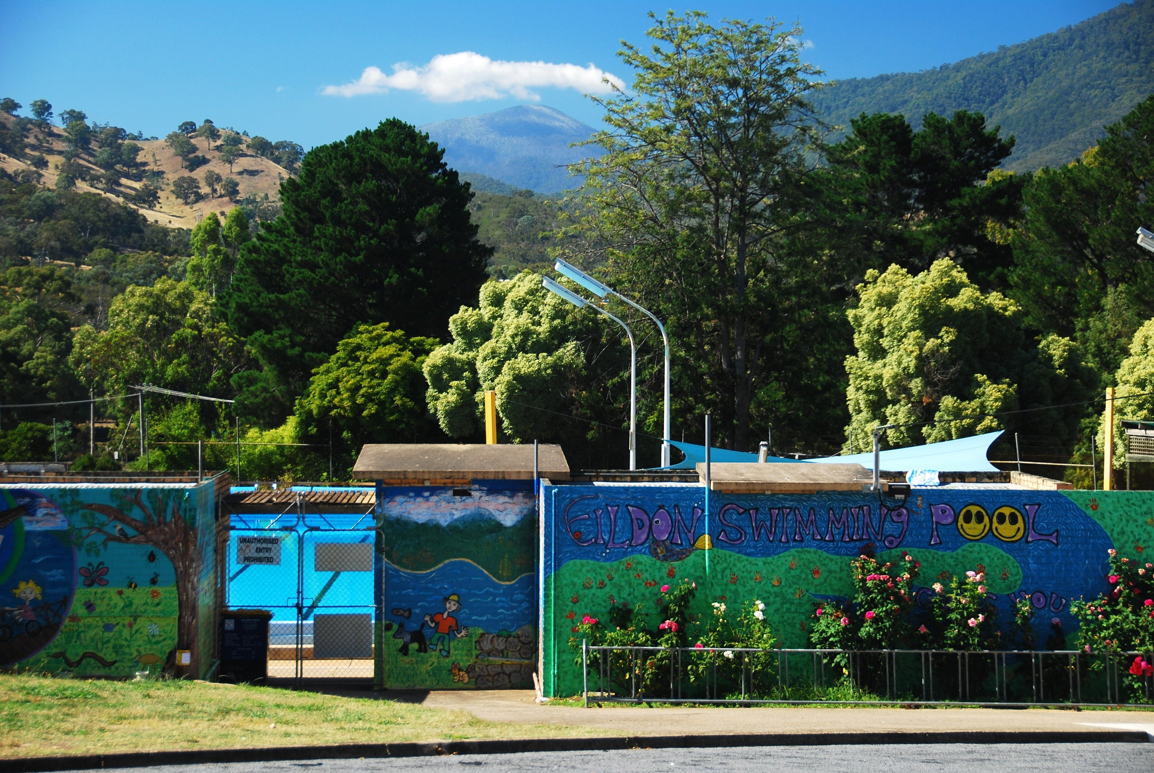 Eildon Outdoor Swimming Pool - Accommodation Mt Buller