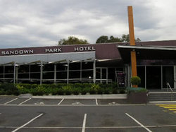 Sandown Park Hotel - Accommodation Mt Buller