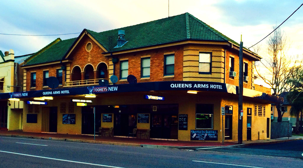 Queens Arms Hotel - Accommodation Mt Buller