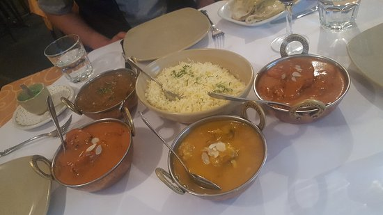 Tandoori  Curry Club - Accommodation Mt Buller